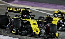 Renaulty zkolabovaly pouhá tři kola před cílem