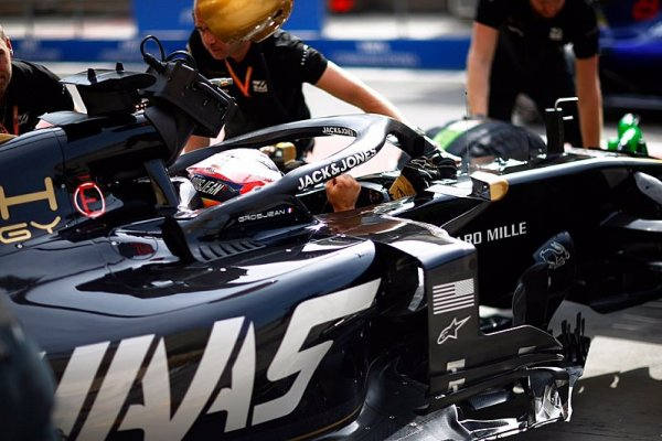 Po Grosjeanovi jde ke sportovním komisařům i Vettel