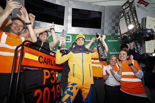Byl to můj nejlepší závod v kariéře, říká Sainz
