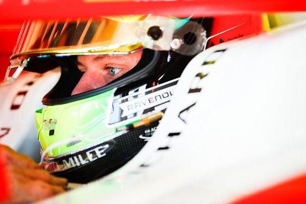 Schumacher má v Bahrajnu testovat monopost F1