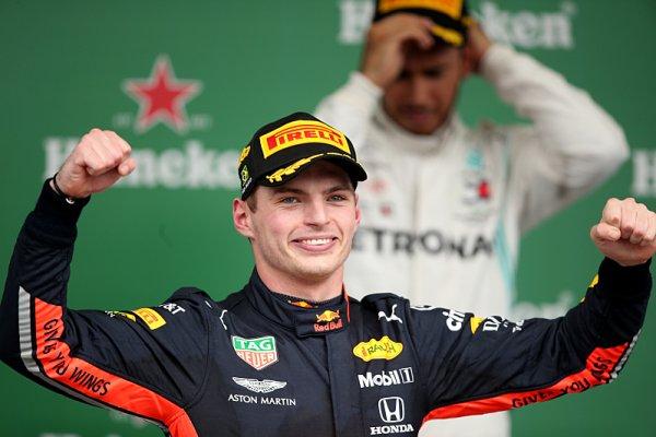 Verstappenův vítězný vůz za nejbližším rohem?