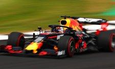 Verstappena prý připravilo turbo o první řadu