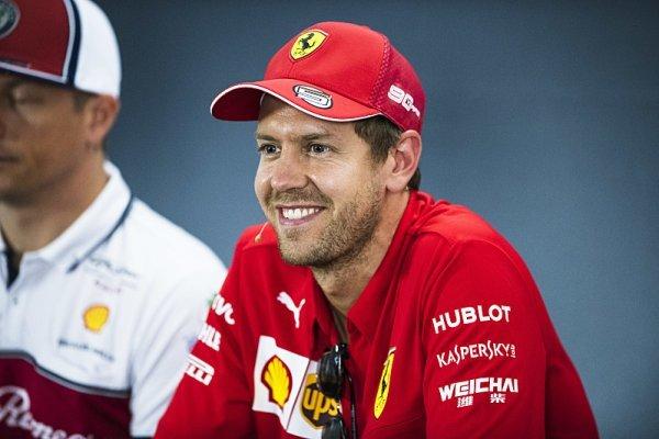 F1 by podle Vettela měla zůstat na klasických okruzích