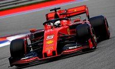 Vettelovo auto při poruše probíjelo