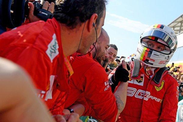 Vettelovi vyšla sázka na měkké pneumatiky