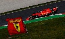 Vettelovu nehodu zapříčinil cizí předmět