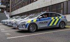Policie bude jezdit na elektřinu