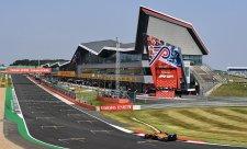 Na Silverstone se je třeba připravit v simulátoru