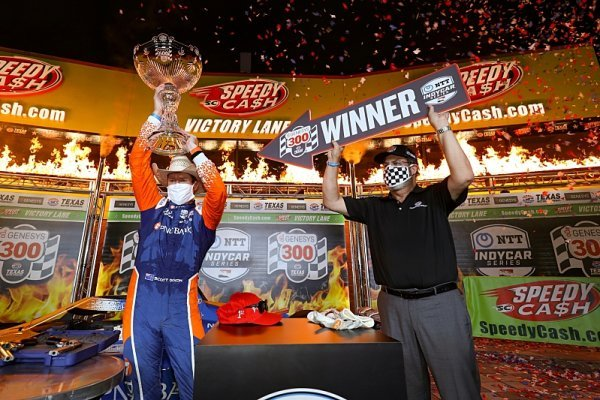 Premiéře v Texasu dominoval Scott Dixon