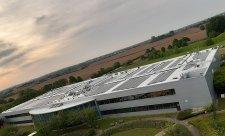 Toyotě dodávají energii vítr a sluníčko