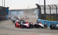 Týmy formule E jsou bez závodů i aut