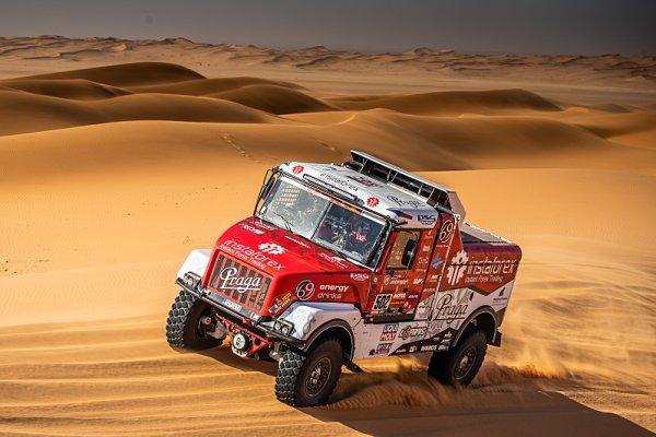 Lopraisovci možná vyrazí na Dakar s více auty