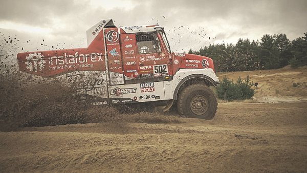 Loprais začíná balit na Dakar