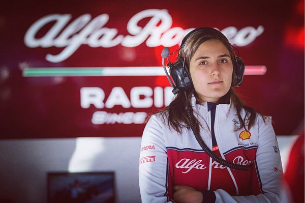 Do jezdecké akademie Ferrari přijmou i ženy