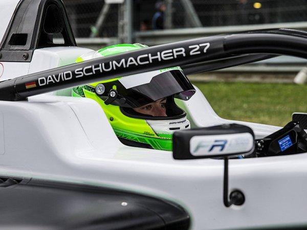 David Schumacher povýšil do F3