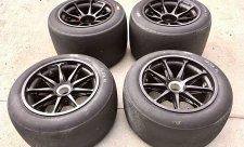 Nové pneumatiky vozy zpomalí o dvě sekundy