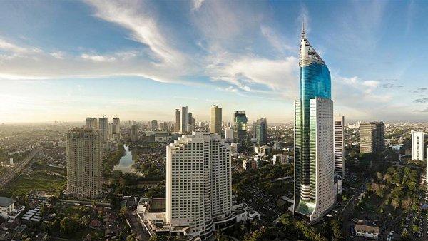 Také Jakarta to vzdala