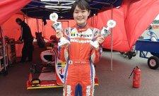Čtrnáctiletá vyhrála závod formule 4