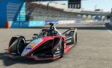 Pátý závod virtuální formule E vyhrál Rowland