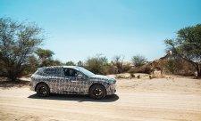 BMW iNEXT v pouštním pekle