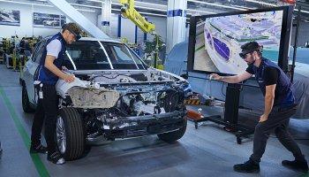 Kouzelné brýle pomáhají konstruovat auta