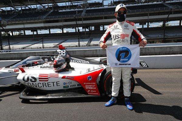 Po 33 letech vyhrává pole position člen rodiny Andrettiů