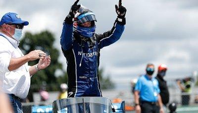 Rosenqvist se dočkal prvního vítězství v IndyCar