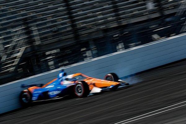Andretti ovládl i trénink, Dixon boural