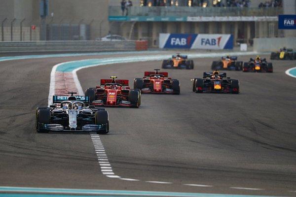 Velká cena F1 pod vánoční stromeček