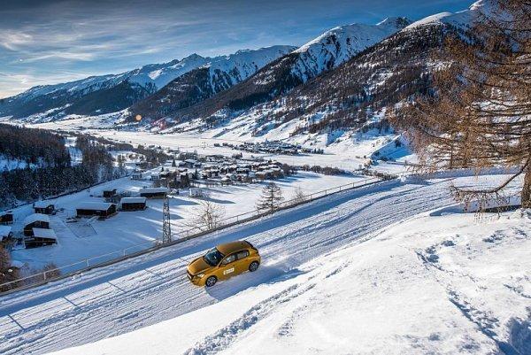 Do hor s potřebnou výbavou a zkontrolovaným autem