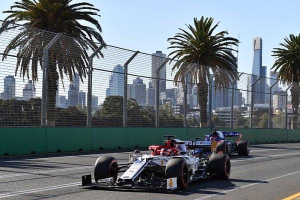 Melbourne vrátí peníze