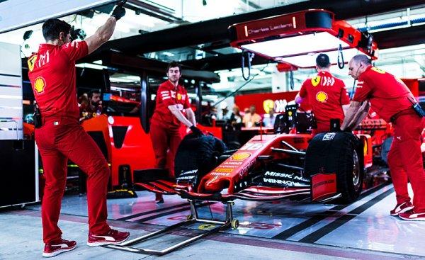 Nové auto Ferrari zvládlo crashtest