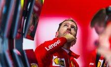 Vettel není pod tlakem, tvrdí Leclerc