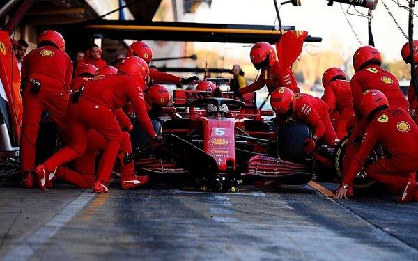 Vettel nemazal, tak nejel