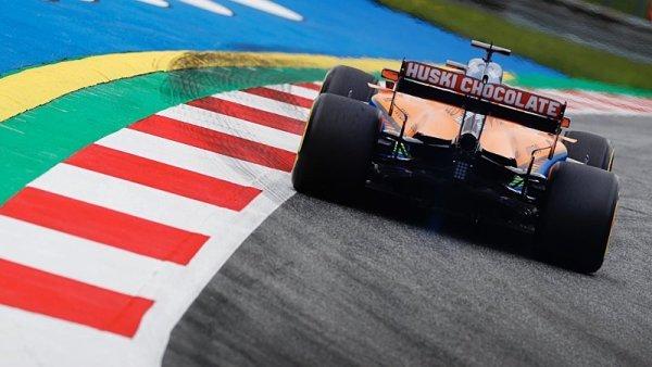 McLaren s motorem Mercedes, ale svou převodovkou
