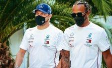 Bottas první, Hamilton předposlední
