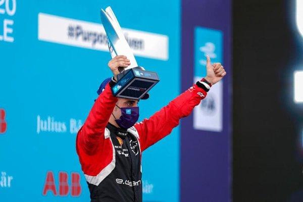 Novým rezervistou týmů Red Bullu je Buemi
