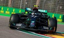 Bottas porazil Hamiltona o 97 tisícin sekundy