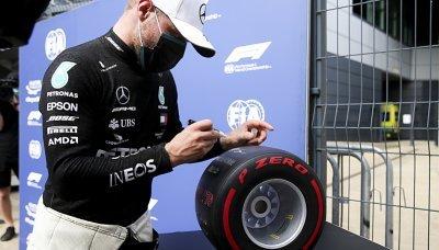 Na měkčích pneumatikách jsou jezdci pomalejší