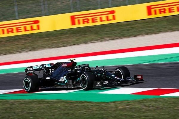 Bottas o vlásek, Leclerc vrátil rudým naději
