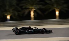 Mercedes si opravil vysílačky