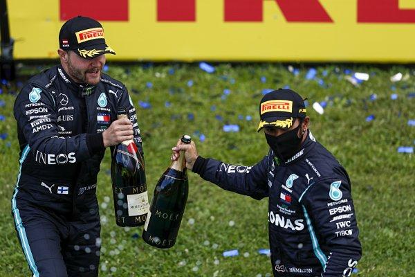 Sainz vytvořil nový traťový rekord