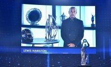Hamilton byl korunován na dálku