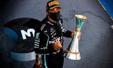 Hamilton tentokrát lépe šetřil pneumatiky