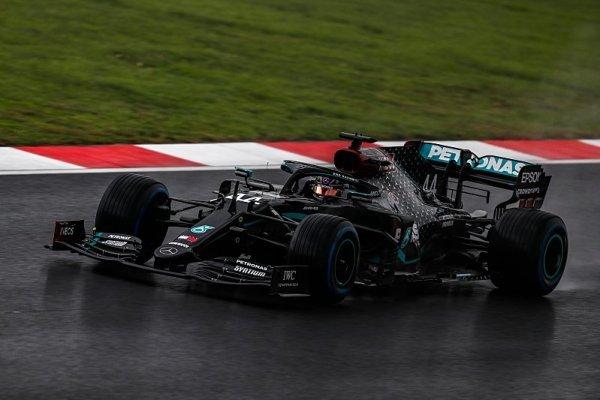 Hamilton přiznal, že jiní to zvládli lépe