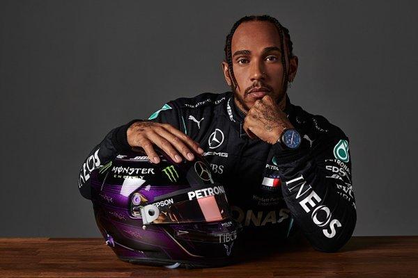 Sir Lewis Hamilton již od 1. ledna?