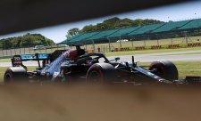 Horko už jde Mercedesu k duhu