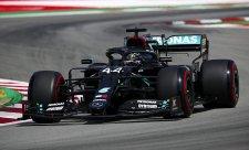 Další osamělá show Mercedesu