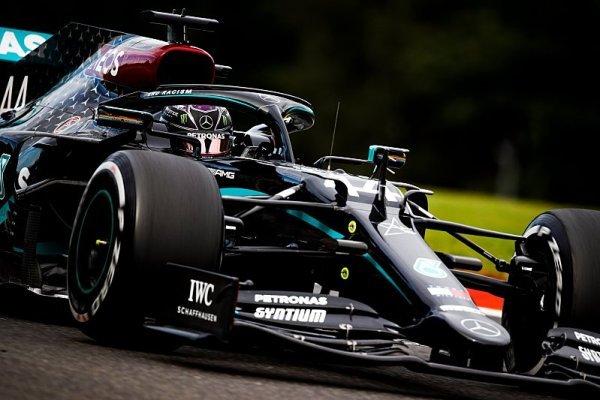 Hamiltonův přestup do Red Bullu mohl navrhnout jen opilec
