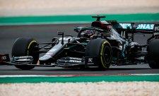 Křečovitý Hamilton už setřásl i Schumachera
